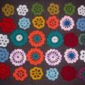 Virágcsokor Lillának, Különböző alakú és színű virágok, nagysá...