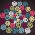 Hét szín virág, 42 db. pamut virág várja kreatív gazdáját, ho...