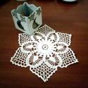 Csilla terítők /párban/, Mint egy virág, mikor a szirmait teljesen kibontj...