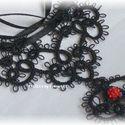 Amélia fekete hajócsipke medálos nyaklánc piros gyönggyel, horgolt medállal, Ékszer, óra, Esküvő, Nyaklánc, Esküvői ékszer, Horgolás, Csipkekészítés, Hajócsipke technikával készítettem ezt a selyemfényű fekete medált, amit egy piros Swarowsky kristá..., Meska