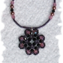 Lila Elegancia nyaklánc, Fekete swarovki kristályokból és világoslila A...