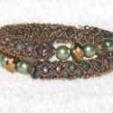Bronzeoil karkötő, Matt green-purple színű cseh csiszoltgyöngy var...