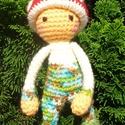 Gombácska, Baba-mama-gyerek, Játék, Játékfigura, Lalylala babák ihlette tündéri horgolt gomba baba. Kalapja levehető. Szeme hímzett, orcája festett. ..., Meska