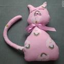 Cica, Játék & Gyerek, Varrás, Puha , színes pamutból varrt cica. Egészen kicsi gyermeknek is ajánlom, mert nincs lenyelhető darab..., Meska