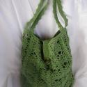 Zöld horgolt táska, Zöld fonalból horgolni számomra nagyobb élmén...