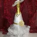 Ruha pezsgősüvegre, Dekoráció, Esküvő, Ünnepi dekoráció, Menyasszonyi ruha, Varrás, Valódi menyasszonyi ruha a pezsgősüvegen.Levehető,így a pezsgő márkáját te döntheted el.Az árba csa..., Meska
