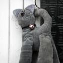 Lógós macska, Dekoráció, Dísz, Kordbársonyból készült 25 centi körüli macska dekoráció. Drót bajusszal., Meska