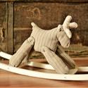 Homok hintaszarvas, Dekoráció, Játék, Játékfigura, Homok színű, hinta-szarvas, természetes natúr dekoráció. 26 centi magas, 43 centi hosszú és ..., Meska