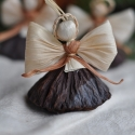 Lótuszos angyalok2, Dekoráció, Ünnepi dekoráció, Karácsonyi, adventi apróságok, Karácsonyfadísz, Fonás (csuhé, gyékény, stb.),  3 db lótuszos angyalka Méretük:8-9 cm Köszönöm, hogy boltomban jártál! Mosollyal.Ilda , Meska