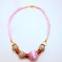 AKCIÓ!! Eco pink nyaklánc, Ékszer, óra, Esküvő, Nyaklánc, Esküvői ékszer, Ékszerkészítés, Környezetbarát nyaklánc pink színben.  A nyaklánc különleges golyókat tartalmaz. Vannak benne verse..., Meska