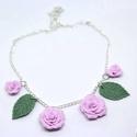 Rózsa nyaklék / virág kert nyaklánc medál , Ékszer, Medál, Nyaklánc, Süthető gyurmából készítettem el ezeket a pasztell rózsaszín rózsákat és leveleket, amely..., Meska