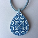 Azulejo No.6 nyaklánc, Ékszer, Nyaklánc, A nyakláncon 4 cm hosszú, decoupage technológiával készített csepp alakú medál található, amelynek m..., Meska