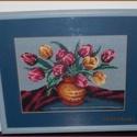 Tulipános gobelin, Dekoráció, Otthon, lakberendezés, Gobelin, Hímzés, Gobelin kép, keretezve: 35x42 cm.  Tulipán csokor vázában, a kék színek kedvelőinek.  Személye átvé..., Meska