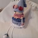 Cup cake, Játék, Játékfigura, Horgolás, Horgolt figura, 27 cm magas, a lábai nélkül. Bársonyos tapintású pamut-akril  fonalból készült. (ne..., Meska