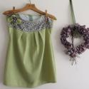 Szövet kiwi zöld tinika ruha Lány  tunika 128-as, Ruha, divat, cipő, Gyerekruha, Gyerek (4-10 év), Extravagáns és egyben retró hatású ruhát készítettem könnyű szövetből és pöttyös vászonból. Virág br..., Meska
