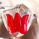 Üveg medál, Piros tulipán üveg medál, egyedi üveg ékszer, Ékszer, óra, Esküvő, Esküvői ékszer, Medál, Üveg medál, Piros tulipán üveg medál, egyedi üveg ékszer  Méretek:  Medál: kb. 3 x 3,5 cm  ..., Meska