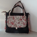piros virágos táska, Táska, Válltáska, oldaltáska, Varrás, Piros virágos táska. A fekete alap vízálló. A táska mérete: 35x30 cm. A talp 12cm széles, merevítve..., Meska