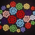 Virágözön, Dekoráció, Dísz, Kép, 26 db. horgolt virág várja kreatív gazdáját, hogy fantáziája szerint használja  őket díszítésre.  A ..., Meska