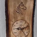 lovas óra falióra lóóra faragott óra, Dekoráció, Kép, Dísz, Famegmunkálás, 36x24cm 14cm óralappal  faragott hársfa, Meska