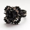 Black Friday gyűrű, Ékszer, óra, Gyűrű,  Fekete és ezüstszínű gyöngyökből készült elegáns gyűrű A gyűrű kerülete: kb. 5,5 cm...., Meska