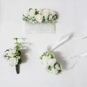 Esküvői gyöngyös rózsás szett, Esküvő, Hajdísz, ruhadísz, Mini habrózsákból és apró gyöngyökből készült esküvői garnitúra: - csuklódísz - vőlegény öltönydísz ..., Meska
