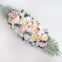 Esküvői selyemvirág asztaldísz , Gyönyörű selyemvirágokból és habrózsából ...