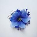 Kék selyemvirágos hajdísz kicsi, A hajdíszt áttetsző műanyag kontyfésűre kés...