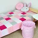 Rózsaszín patchwork ágytakaró, Otthon & lakás, Gyerek & játék, Dekoráció, Gyerekszoba, Falvédő, takaró, Varrás, Egyedi tervezésű ágytakaró. Gyermekszobában ágytakarónak és takarónak egyaránt használható. Kiválóa..., Meska