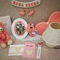 Vintage babaszobai dekoráció szett, Baba-mama-gyerek, Dekoráció, Gyerekszoba, Mobildísz, függődísz, Varrás, Újrahasznosított alapanyagból készült termékek, A szett- csipke és kockás anyag harmonijából született, egy igazi hercegnőnek tervezve : ) A megalk..., Meska