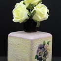 Árvácska / Nefelejcs szögletes váza, Dekoráció, Otthon, lakberendezés, Asztaldísz, Kaspó, virágtartó, váza, korsó, cserép, Decoupage, transzfer és szalvétatechnika, Árvácska / Nefelejcs szögletes váza  A nyár hangulatát idézi a finom tónusú virágos váza, mely mélt..., Meska
