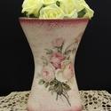 Rózsás íves váza, Dekoráció, Otthon, lakberendezés, Asztaldísz, Kaspó, virágtartó, váza, korsó, cserép, Decoupage, transzfer és szalvétatechnika, Rózsás íves váza  A nyár hangulatát idézi a finom tónusú virágos váza, mely méltó dísze a lakásnak...., Meska