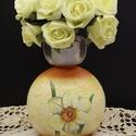Nárcisz szögletes váza, Dekoráció, Otthon, lakberendezés, Asztaldísz, Kaspó, virágtartó, váza, korsó, cserép, Decoupage, transzfer és szalvétatechnika, Nárcisz szögletes váza  A nyár hangulatát idézi a finom tónusú virágos váza, mely méltó dísze a lak..., Meska