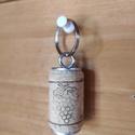 Parafa Kulcstartó, Otthon & Lakás, Dekoráció, Dísztárgy, Mindenmás, Parafa dugóból készült egyedi kulcstartó szőlőfürt mintázattal. Egyedi megjelenésű, különleges aján..., Meska