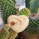 Cédrusfa Szív Medál , Ékszer, Medál,  Teljesen egyedi cédrusfa, 2 oldalra csiszolt szív medál ,ezüstszínű medálakasztóval ... a méretek k..., Meska