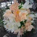 Barackhabos ajtódisz, Otthon & Lakás, Dekoráció, Ajtódísz & Kopogtató, Mindenmás, Virágkötés, A barack és fehérszinű selyemvirágok harmóniájával készült ,némi zölddel párositva ez a tavaszi ajt..., Meska