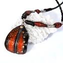 Art bőrmedálos nyaklánc, Ékszer, Nyaklánc, A fekete fonott  bőrszálon tibeti fém köztes és barna bőrgyöngy van. A nyaklánc érdekesség..., Meska