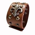 Díszes bőr karkötő, Férfiaknak, Ékszer, kiegészítő, A  bőr karkötő 4 cm x 22,5 cm  Szegecs  díszíti.  Állítható patenttal záródik., Meska