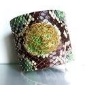 Zöld python mintás bőr karkötő fémzsinórral, Ékszer, Karkötő, A zöld karkötő pythonmintás bőrből készült. Kivül-belül azonos bőr van. Érdekessége, ho..., Meska