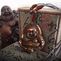 Buddha jakcsont nyaklánc, Ékszer, Viaszolt zsinóron lévő nyaklánc barna bőrrel,   van díszítve. Csúszócsomos, állítható.  ..., Meska