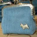 Westie csatos pénztárca , Táska, Pénztárca, tok, tárca, Pénztárca, Varrás, Westie formájú szegccsel, farmerből készült csatos pénztárca.  8,5 cm X 8,5 cm X 2 cm, Meska