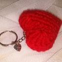 Szíves kulcstartó, Mindenmás, Kulcstartó, A szív mindenkinek egyet jelent = szeretlek. Ez a kedves szív alakú kulcstartó, táska dísz, ka..., Meska