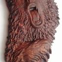 Medve - faragás, Otthon, lakberendezés, Falióra, óra, CNC faragással készült medve. Anyaga: akácfa Felülete diópáccal, lakkal lett kezelve. Mérete: kb. 18..., Meska