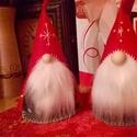 Skandináv karácsonyi manó, Dekoráció, Ünnepi dekoráció, Karácsonyi, adventi apróságok, Karácsonyi dekoráció, Hímzés, Baba-és bábkészítés, Színes filcből, teljes egészében kézzel készült karácsonyi manó.  Magassága kb. 25 cm.  A teste pol..., Meska