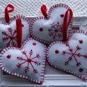 Karácsonyi hímzett szívek, Otthon & lakás, Karácsony, Dekoráció, Ünnepi dekoráció, Karácsonyi dekoráció, KÉRLEK,  HOGY VÁSÁRLÁS ELŐTT BELSŐ ÜZENETBEN EGYEZTESSÜNK AZ ELKÉSZÍTÉS HATÁRIDEJÉRŐL!  Teljes egész..., Meska