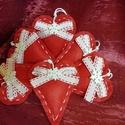 Karácsonyi filc szívek, Otthon & lakás, Karácsony, Dekoráció, Ünnepi dekoráció, KÉRLEK,  HOGY VÁSÁRLÁS ELŐTT BELSŐ ÜZENETBEN EGYEZTESSÜNK AZ ELKÉSZÍTÉS HATÁRIDEJÉRŐL!  Teljes egész..., Meska