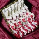 Karácsonyi filc szívek, Otthon & lakás, Karácsony, Dekoráció, Ünnepi dekoráció, Teljes egészében kézzel készült és öltögetett karácsonyi szívek.   Felhasznált anyagok: gyapjúfilc, ..., Meska