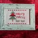 Karácsonyi mintás keresztszemes hímzés - fenyővel, Otthon & lakás, Dekoráció, Ünnepi dekoráció, Karácsonyi mintával készült keresztszemes hímzés. Mérete: 10*15 cm. A képkeret dekoráció.    ..., Meska