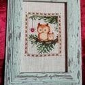 Karácsonyi mintás keresztszemes hímzés - baglyokkal, Otthon & lakás, Dekoráció, Ünnepi dekoráció, Karácsonyi mintával készült keresztszemes hímzés - baglyokkal.  Mérete: 10*15 cm. A képkeret dekorác..., Meska