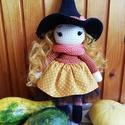 Horgolt Halloween boszorkány, Otthon & lakás, Dekoráció, Amigurumi technikával horgolt Halloween boszorkány.  100 % pamut fonalból készült, pamutvászon és tü..., Meska