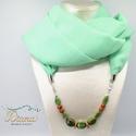 Ékszerkendő gyöngyökkel - hosszú - Zöld, Zöld chiffonból készült ékszerkendő. Az éks...